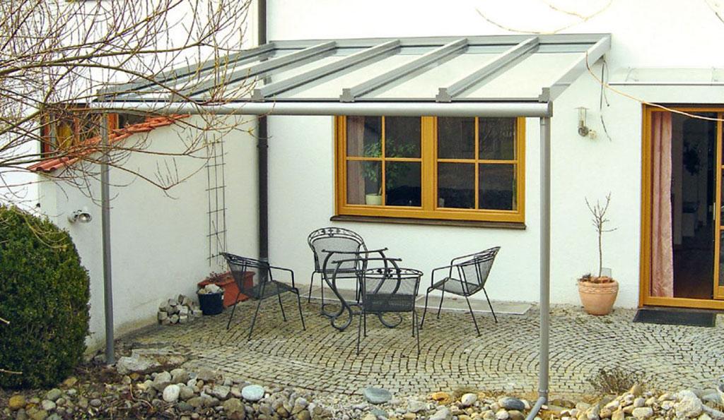 Terrassenueberdachung aus Aluminium